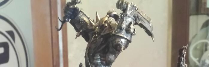 Blizzard presenteia jogadores ativos há 10 anos com figure de Orc