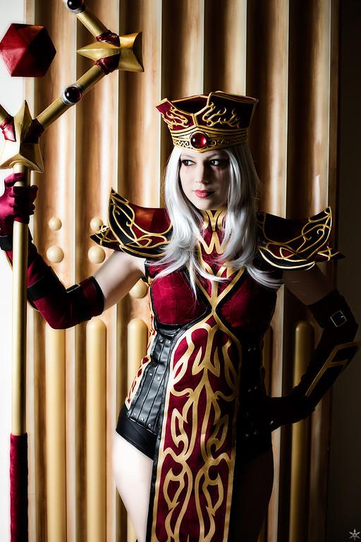 priestess_by_xero_cosplay-d5vxdo5