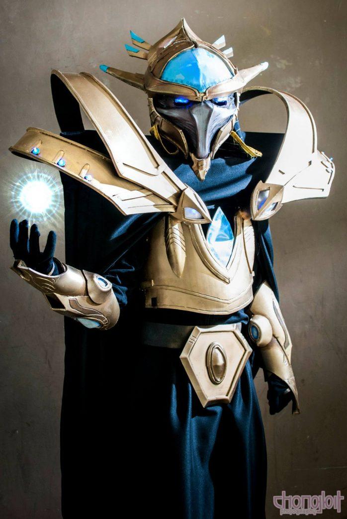 starcraft_2_executor_artanis_cosplay_by_pakwan008-d6imaqb