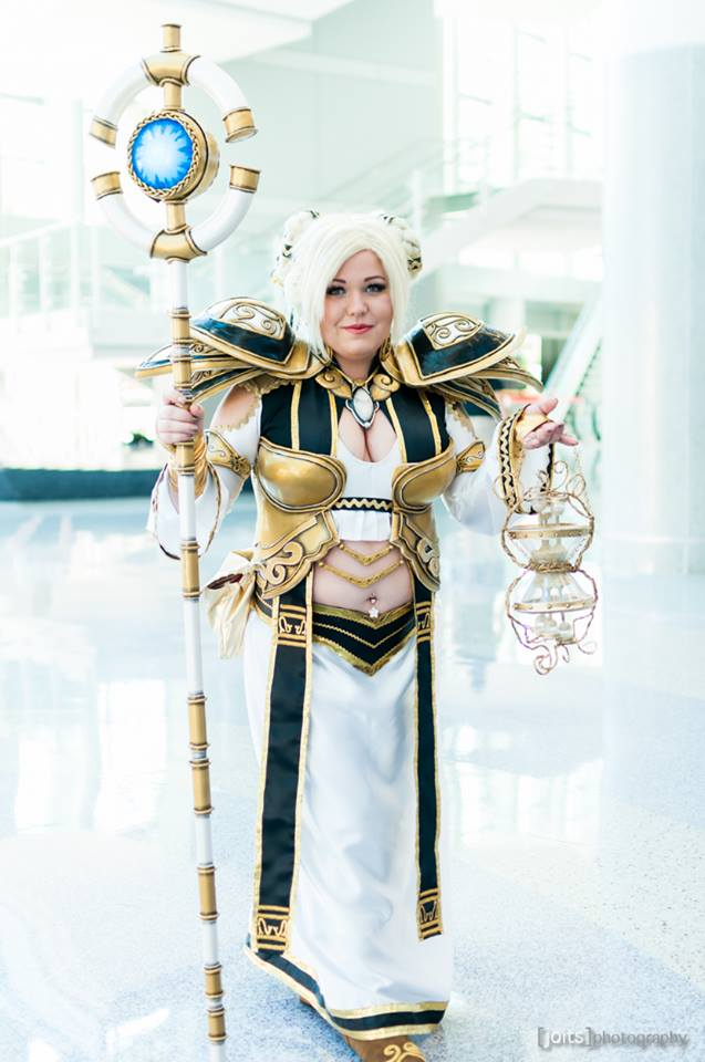 chromie_from_world_of_warcraft_cosplay_by_littlesparkz-d8eean2